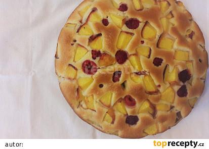 Nadýchaný ovocný koláč (hrníčkový)