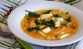 Nudlová polévka s tofu