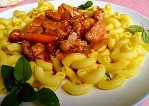 Rychlá večeře - kolínka se sosem z pečených paprik s mletým masem