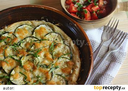 Slaný cuketový koláč s mozzarellou a bazalkovou vůní