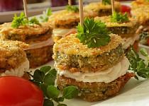 Cuketové jednohubky s česnekovou pomazánkou