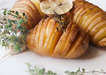 Citronové brambory Hasselback