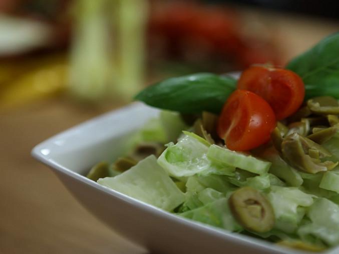 Salát z řapíkatého celeru