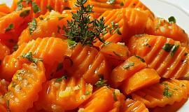 Voňavý mrkvový salát