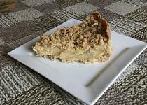 Jablečný pudinkový koláč