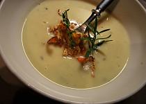 Polévka z pečeného celeru