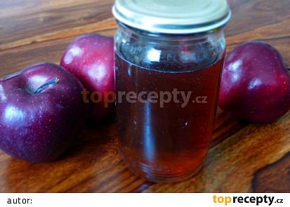 Sirup z jablečného moštu
