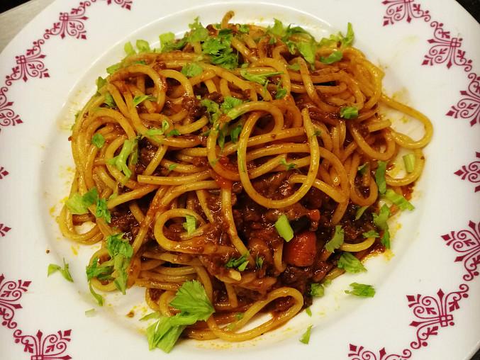 Špagety s masovou omáčkou