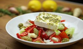 Řecký salát (choriatiki)