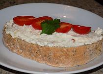Sýrová pomazánka s nivou a   sušenými rajčaty