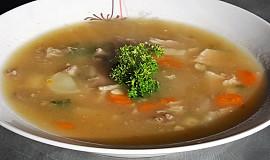 Zadělávaná kuřecí polévka s drůbky (bez tuku)
