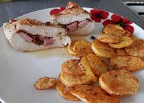 Kuřecí kapsa se sušenými rajčaty a oravskou slaninou