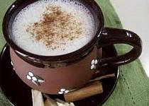 Bílá čokoláda se skořicí - teplý nápoj