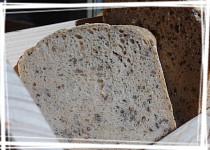 Celozrnný chléb pšenično-žitný