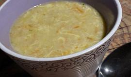 Vločková polévka se zeleninou a vejcem