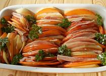 Gratinovaná dýně s bramborem a šunkou