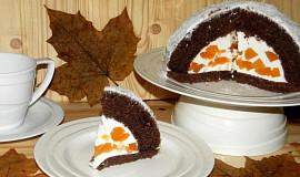 Kakaový dort s tvarohem a broskvemi
