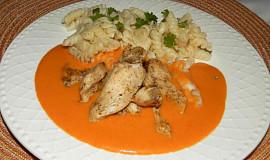 Kuřecí prsa s paprikovou omáčkou