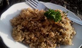 Quinoa s houbami à la houbový kuba