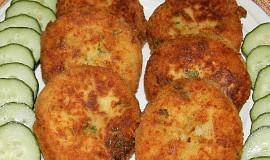 Bramborové karbanátky se sýrem a uzeninou