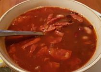 Pikantní fazolačka s klobáskou