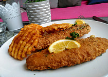 Rybí filety v těstíčku z kukuřičné mouky a bylinek