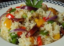 Rýže opékaná na špeku s paprikami