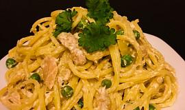 Špagety s tuňákem, hráškem a ricottou