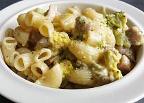 Těstoviny s kuřecím masem, brokolicí a Nivou (bez tuku)