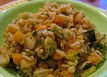 Barevná zeleninová pánev s rýží