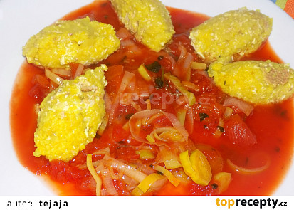 Jáhlové halušky s rajčatovou omáčkou