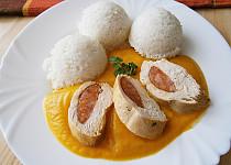 Plněná kuřecí prsa v zeleninové omáčce