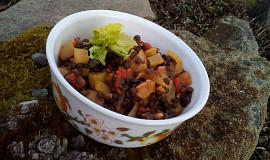Černá čočka se zeleninou - teplý salát nebo příloha
