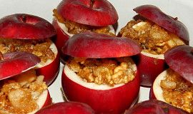 Pečená jablka s ořechy