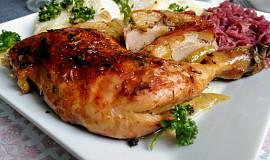 Pečená kuřecí stehna a bůček na pivě, medu a  barevném pepři (2v1)