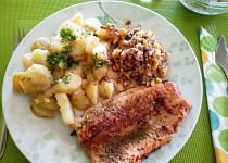 Pstruh filet s pohankovým salátem a brambory