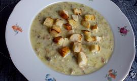 Strouhaná bramborovo-houbová polévka