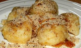 Jablkové bramborové knedlíky