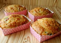 Sýrové muffiny s uzeným masem