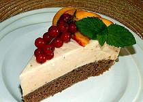Kakaový dort s broskvovou pěnou