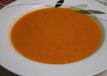 Polévka z dýně a rajčat