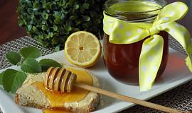 Med z rýmovníku
