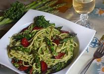 Chřestové špagety s chorizem