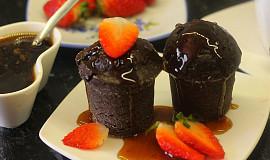 Čokoládové bábovičky s kávovým sirupem