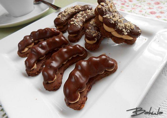 Ořechové  rohlíčky s karamelem