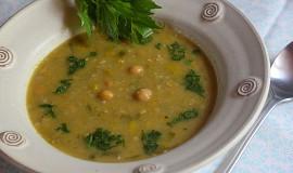Pórková polévka s cizrnou a pohankou