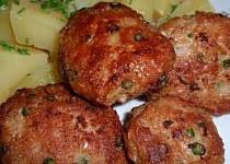 Karbanátky / sekaná s česnekovými výhonky