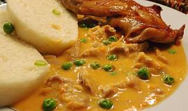 Vařené králičí maso v zeleninové omáčce