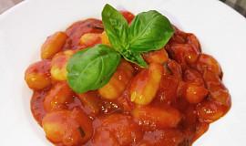 Gnocchi v rajčatové omáčce s cuketou a česnekem