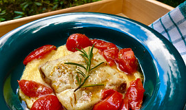 Rybí filé na rajčatech s polentovou kaší s parmezánem